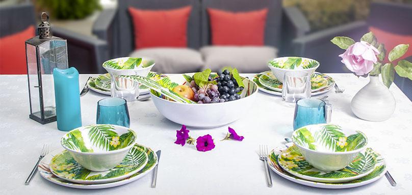 service vaisselle m lamine aux motifs fleurs art de la table. Black Bedroom Furniture Sets. Home Design Ideas